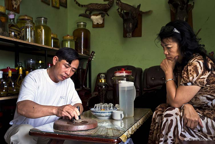 Point of sale © Brent Stirton