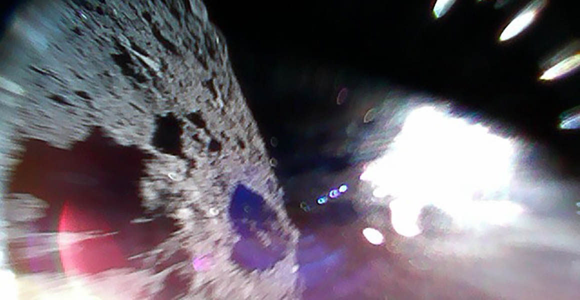 Image of the rocky surface of Ryugu
