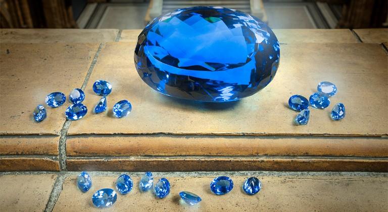 Largest blue topaz gemstone of its kind goes on display | Natural
