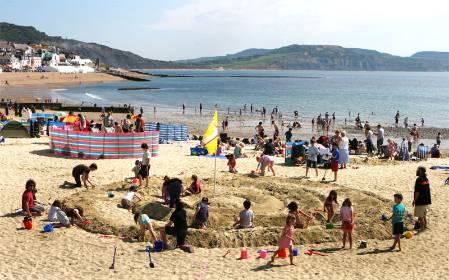 fossil-festival-beach.jpg