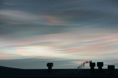 Nacreous clouds-Harbeck resized.jpg
