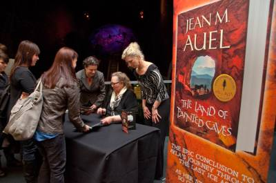 Jean-M-Auel-book-Launch-signing-wide.jpg