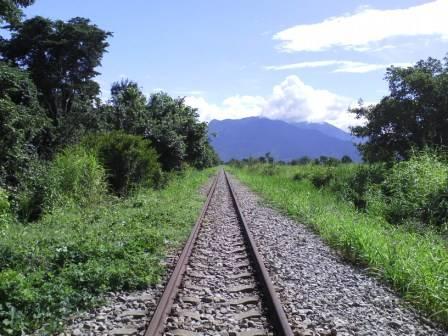 IMGA0305 tanzania railway.JPG