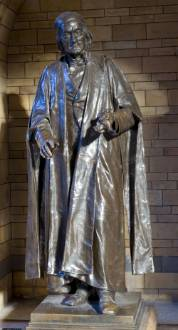richard-owen-statue.jpg