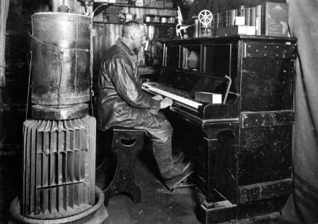 Meares at the Pianola_R.jpg