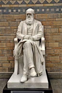 Charles_Darwin_Statue,_Natural_History_Museum,_London (1).jpg