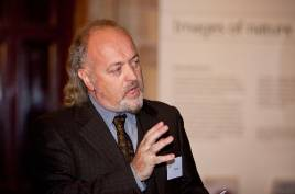 bill-bailey-wallace-central-hall.jpg