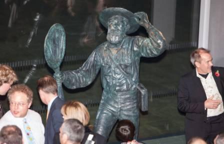 Wallace statue.jpg
