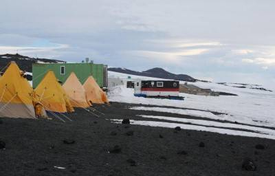 Camp at Cape Evans.jpg