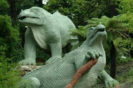 Crystal Palace Dinosaurs NHMPL 043503.jpg