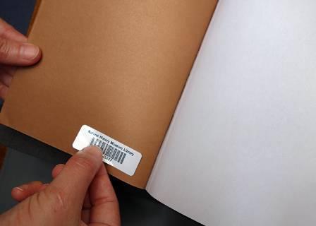 darwinbook-barcodesticker-700.jpg