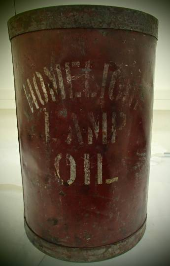 Homelight Lamp Oil can.JPG
