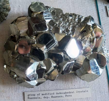 minerals-gallery-selfie_700.jpg