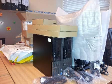 Desk_700.jpg