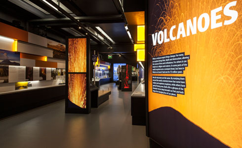 Volcanoes and Earthquake gallery entrance