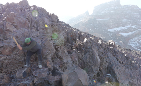 Popocatépetl - collecting rock samples