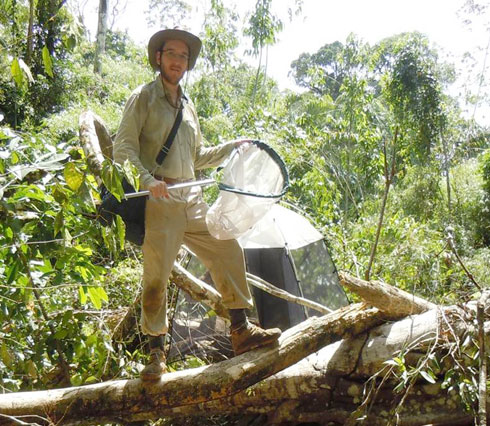 Max Barclay collecting beetles on a rainforest tree at Pantiacolla, Alto Madre de Dios, Peru,