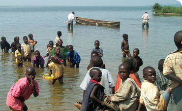 A typical transmission site of intestinal schistosomiasis on Lake Victoria