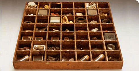 A pharmacopoeia drawer dating back to before 1753 from the Sir Hans Sloane collection