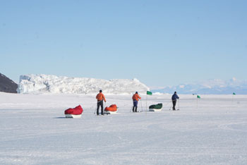 The adventurers begin their grand voyage © Antarctic Heritage  Trust