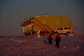 Building of Antarctica New Zealand housing instruments for scientific studies © Andy Mahoney