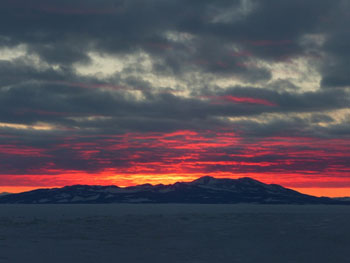 The long-awaited sunset © Antarctic Heritage Trust