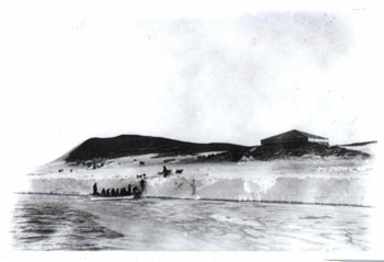 A historic view of Hut Point and Discovery Hut © Canterbury Museum, Kinsey Collection