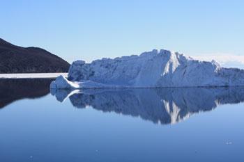 Iceberg © Antarctic Heritage Trust