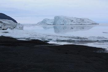 Icebergs © Antarctic Heritage Trust