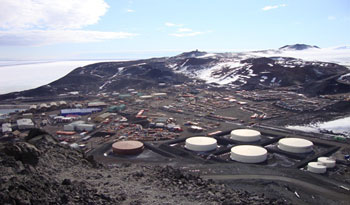 View of McMurdo taken from Observation Hill in the summertime © AHT / G Whiteley