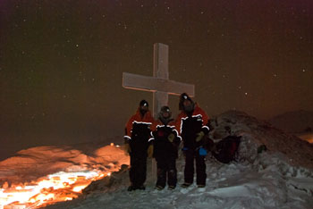 By the memorial cross on Observation Hill © Antarctic Heritage Trust