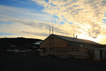 The hut © Antarctic Heritage Trust