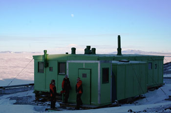 The conservation team outside the TAE hut © AHT / N Dunn