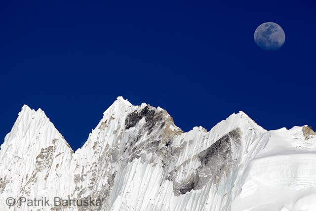 Moonrise over Nuptse